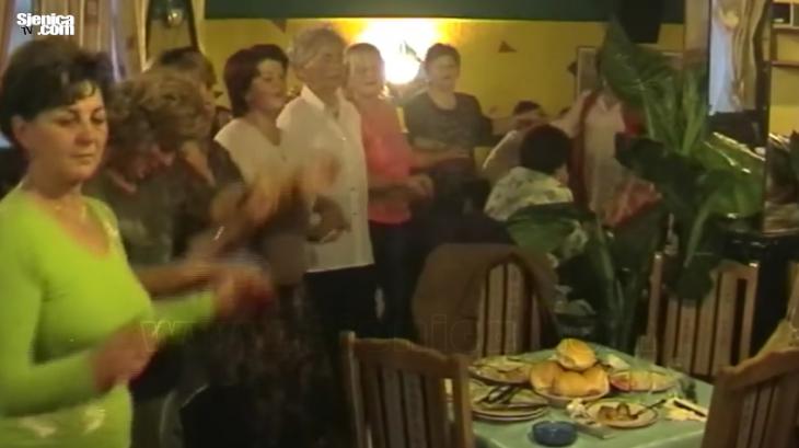 ARHIVA - VESELJE UDRUZENJA ZENA - DESTINIKON - SJENICA 05.11.2005. - VIDEO