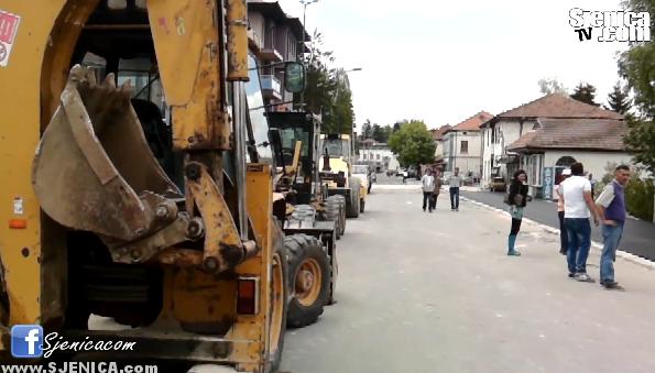 Asfaltiranje trotoara - 14. maj 2015 - Sjenica