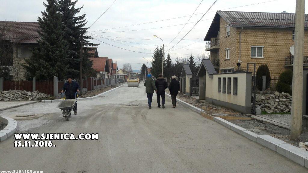 Asfaltiranje ulice NOVA od tranzita do Lenjinove ulice. Sjenica.com