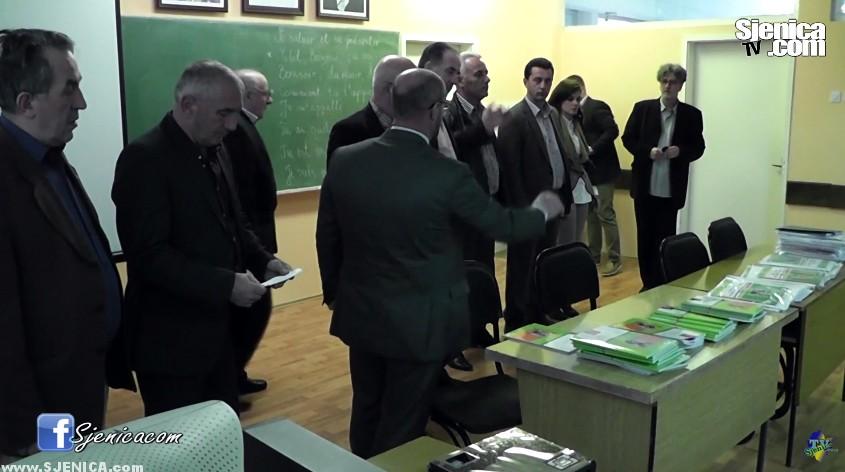 Besplatni udzbenici za djake u Sjenici 2015.