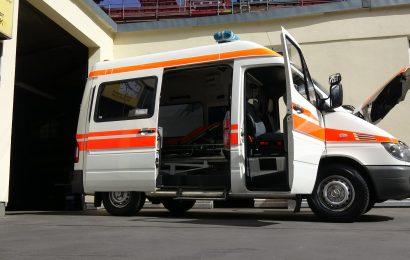 vozilo hitne pomoci - Sjenica - Karisik