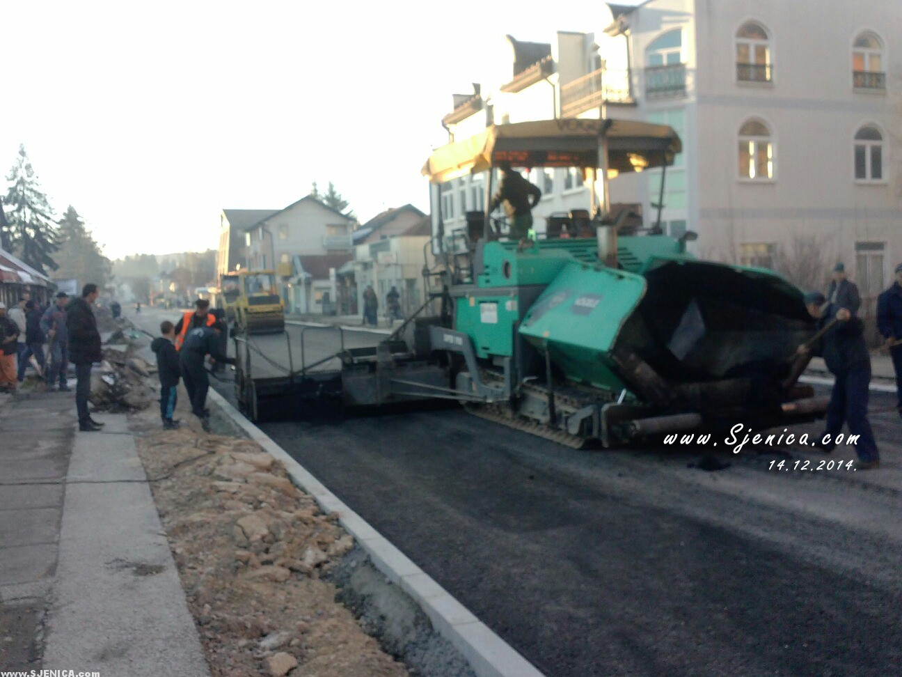 Drugi sloj asfalta - Sjenica 14.12.2014.