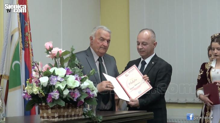 Heman Muftarevic - Muhedin Fijulajnin dodela priznanja - www.Sjenica.com