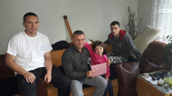 Linda i Merhamet Sjenica pomogli Amelu Sipcaninu i cerkici - Sjenica - Novi Pazar - Jul 2016
