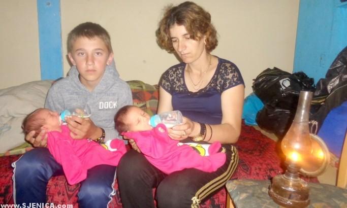Porodica Jelic hrani novorodjene bebe - www.Sjenica.com