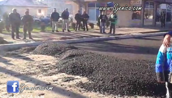 Asfaltiranje glavne ulice u Sjenici 13.12.2014.