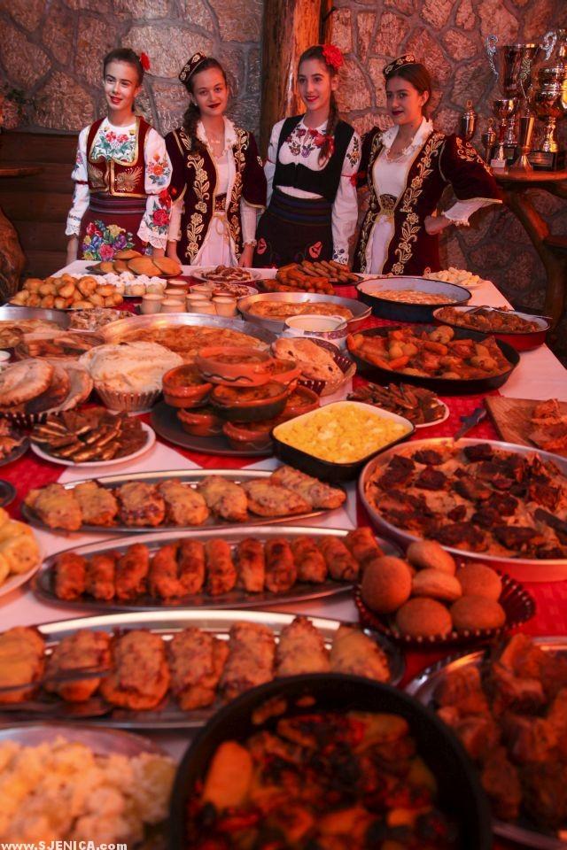 food is great - sjenica