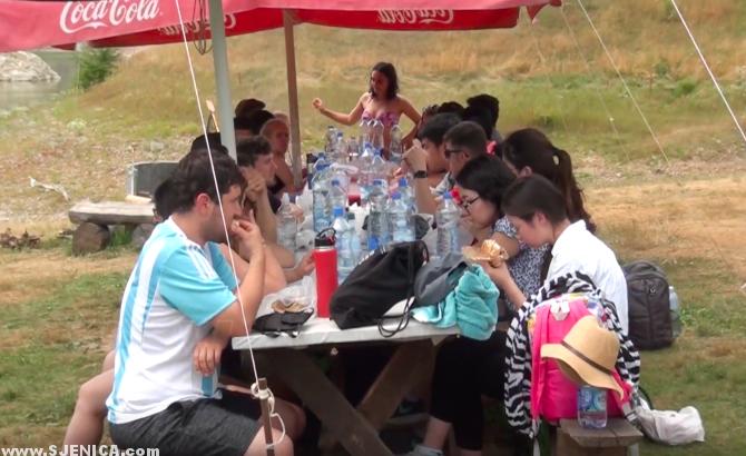 studenti na sjenickom jezeru